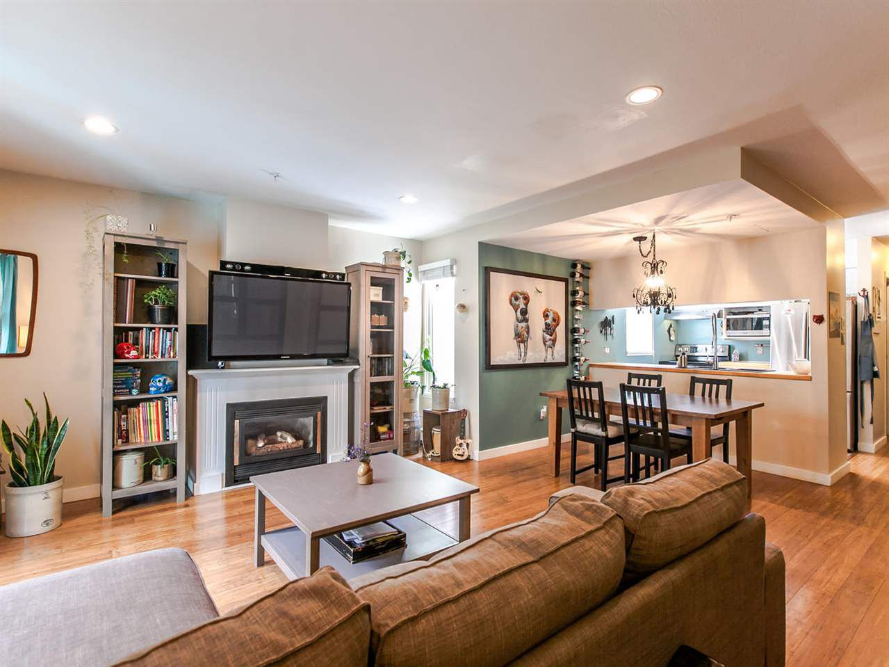 Main Photo: 104 1554 BURNABY STREET in Vancouver: West End VW Condo for sale (Vancouver West)  : MLS®# R2089481