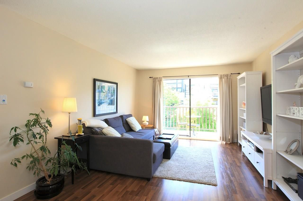 Photo 2: Photos: 211 131 W 4TH STREET in North Vancouver: Lower Lonsdale Condo for sale : MLS®# R2102695