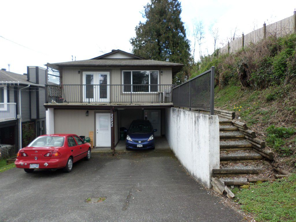Main Photo: 32932 1st Avenue in Mission: Mission BC House for sale : MLS®# R2158777