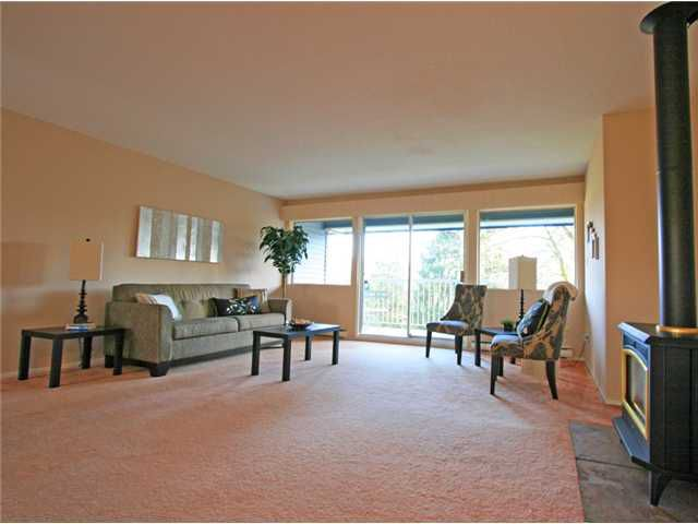 "Main Photo: 1053 CECILE Drive in Port Moody: College Park PM Townhouse for sale in ""CECILE HEIGHTS"" : MLS®# V931590"