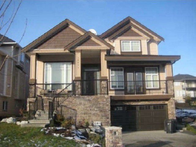 Main Photo: 18891 54A Ave in Cloverdale Hill: Cloverdale BC House for sale (Cloverdale)  : MLS®# F1304921