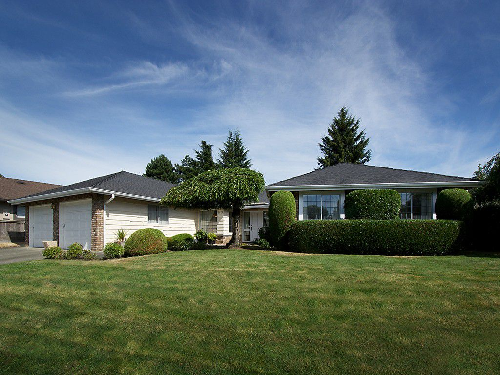 """Main Photo: 5625 GOLDENROD Crescent in Tsawwassen: Tsawwassen East House for sale in """"FOREST BY THE BAY"""" : MLS®# V1076232"""