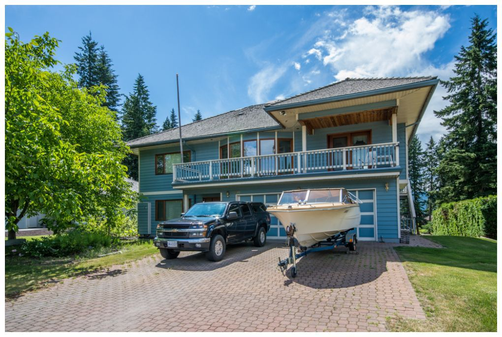 Main Photo: 2598 Golf Course Drive in Blind Bay: Shuswap Lake Estates House for sale : MLS®# 10102219