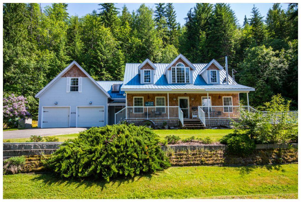 Main Photo: 4136 Eagle Bay Road: Eagle Bay House for sale : MLS®# 10112539