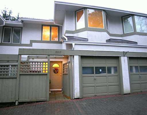 """Main Photo: 2653 FROMME Road in North Vancouver: Lynn Valley Townhouse for sale in """"CEDAR WYND"""" : MLS®# V624294"""