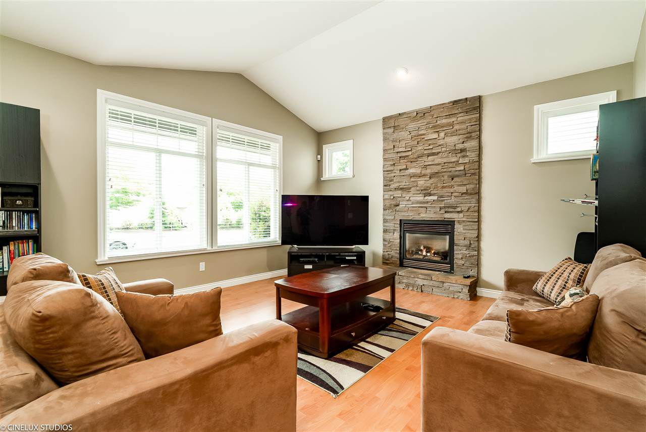 Main Photo: 1045 DOMINION AVENUE in Port Coquitlam: Riverwood House for sale : MLS®# R2305217