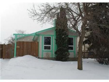 Main Photo: 123 Parashin Bay: Residential for sale (Tyndall Park)  : MLS®# 1203942