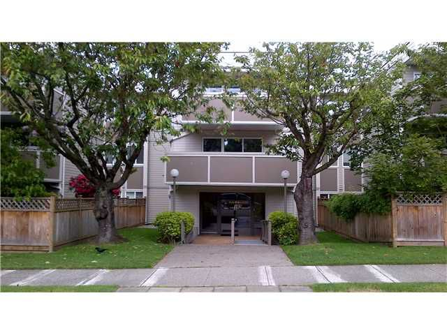 "Main Photo: 301 1775 W 11TH Avenue in Vancouver: Fairview VW Condo for sale in ""RAVENWOOD"" (Vancouver West)  : MLS®# V951345"