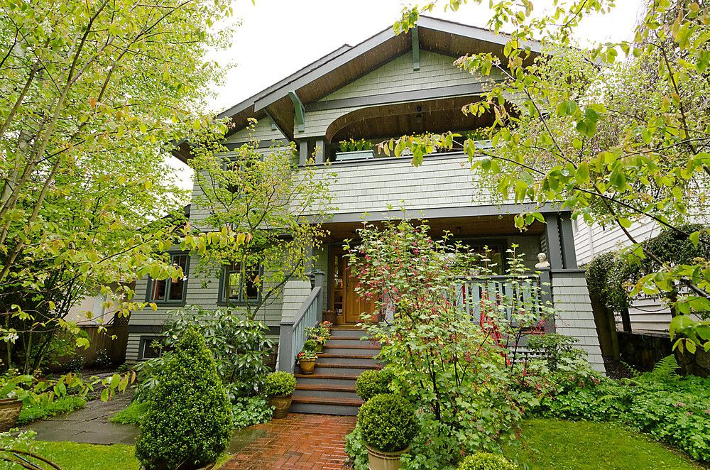 Main Photo: 4338 W 11TH Avenue in Vancouver: Point Grey House for sale (Vancouver West)  : MLS®# V951171