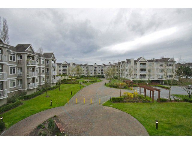 "Main Photo: 202 20896 57TH Avenue in Langley: Langley City Condo for sale in ""BAYBERRY LANE"" : MLS®# F1321704"