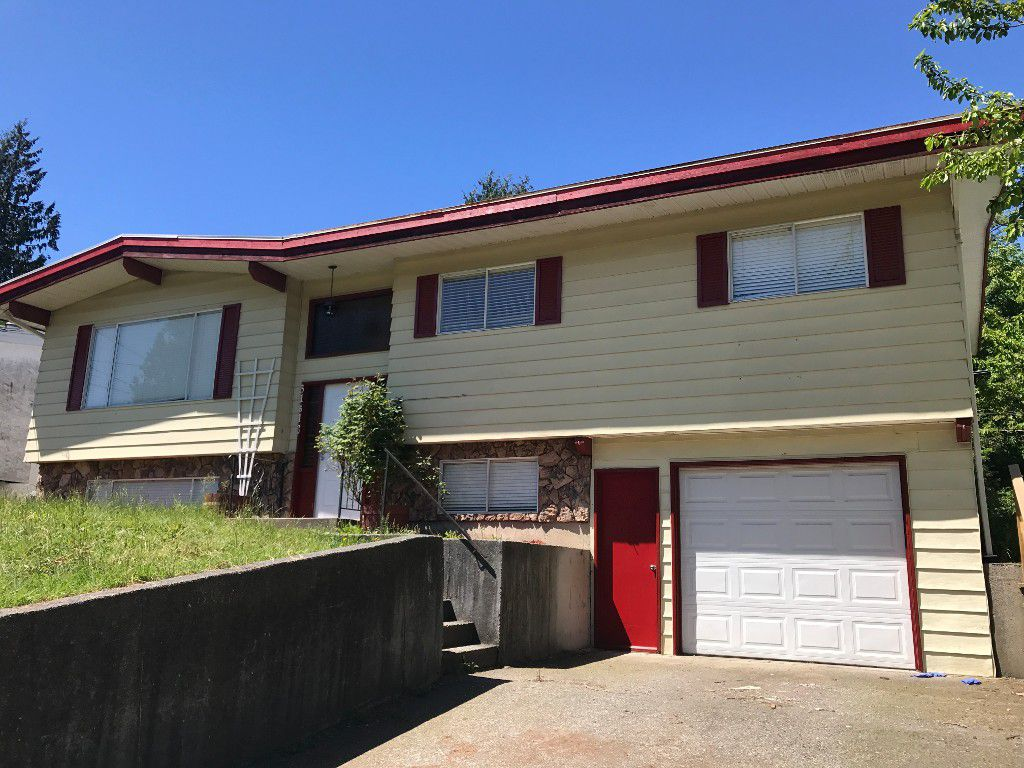 Main Photo: 31613 Charlotte Ave in Abbotsford: Abbotsford West House for rent