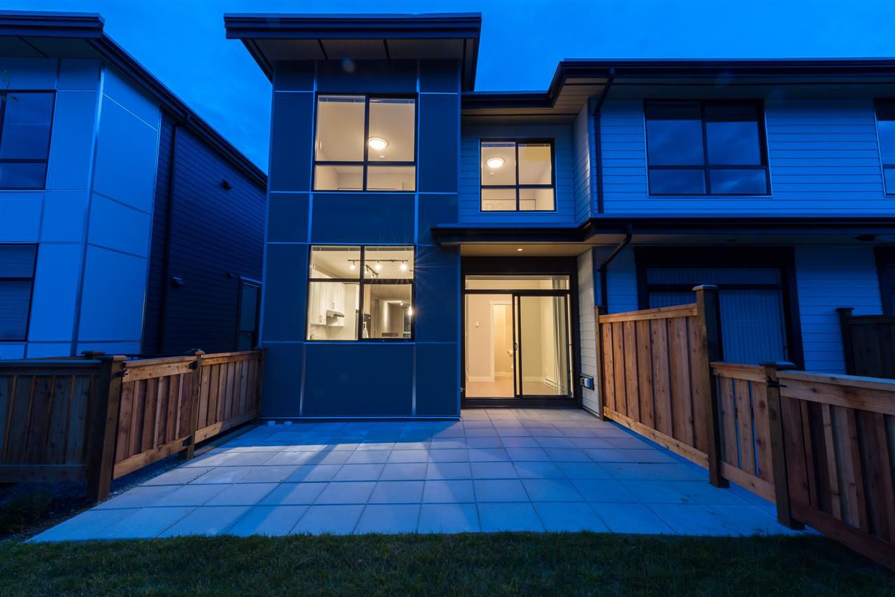 Main Photo: 38367 EAGLEWIND BOULEVARD in Squamish: Downtown SQ Townhouse for sale : MLS®# R2093553