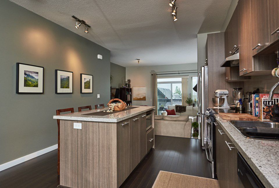 Photo 6: Photos: 28 1305 SOBALL STREET in Coquitlam: Burke Mountain Townhouse for sale : MLS®# R2046035