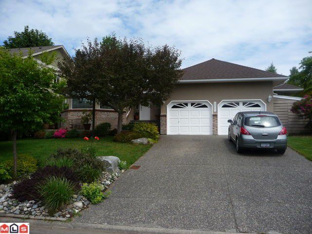 Main Photo: 13551 14A Avenue in Surrey: Crescent Bch Ocean Pk. House for sale (South Surrey White Rock)  : MLS®# F1214007