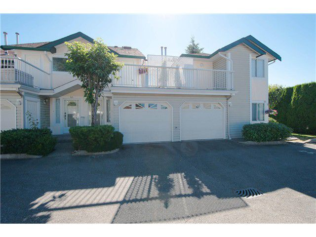 "Main Photo: # 812 8972 FLEETWOOD WY in Surrey: Fleetwood Tynehead Townhouse for sale in ""Park Ridge Gardens"" : MLS®# F1316936"
