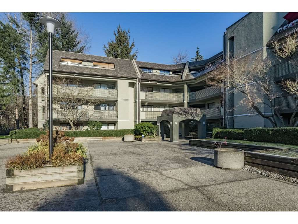 Main Photo: 109 1210 PACIFIC STREET in Coquitlam: North Coquitlam Condo for sale : MLS®# R2326349