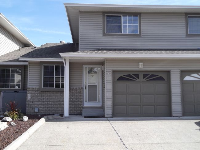 Main Photo: 4 19270 119th Avenue in McMyn Estates: Home for sale : MLS®# V913262