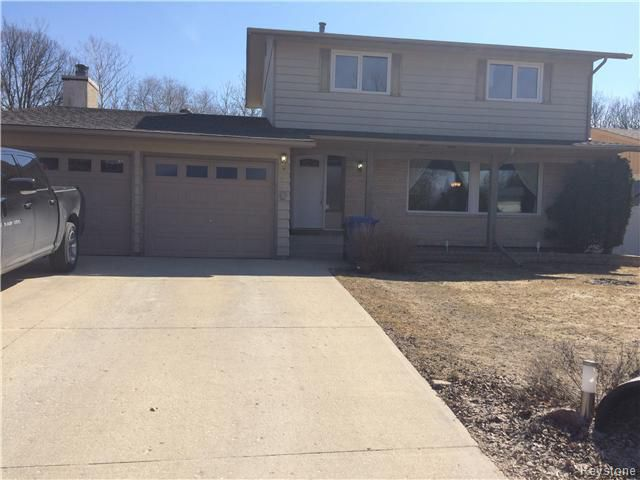 Main Photo: 23 Scotswood Drive in Winnipeg: Residential for sale : MLS®# 1608645