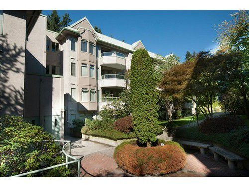 Main Photo: 210 6737 STATION HILL Court in Burnaby South: South Slope Home for sale ()  : MLS®# V974916
