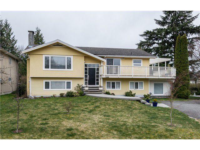 Main Photo: 40261 Kalodon Road in Squamish: Garibaldi Estates House for sale : MLS®# V1056128