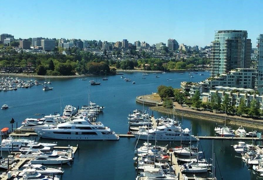 Main Photo: 1908 1033 MARINASIDE CRESCENT in Vancouver: Yaletown Condo for sale (Vancouver West)  : MLS®# R2295795