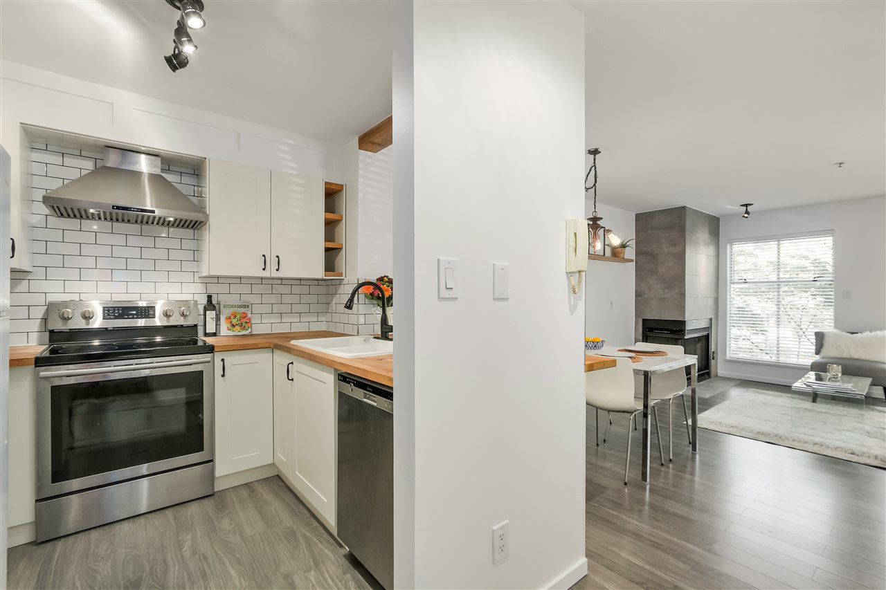 Main Photo: 202 2020 TRAFALGAR STREET in Vancouver: Kitsilano Condo for sale (Vancouver West)  : MLS®# R2315621