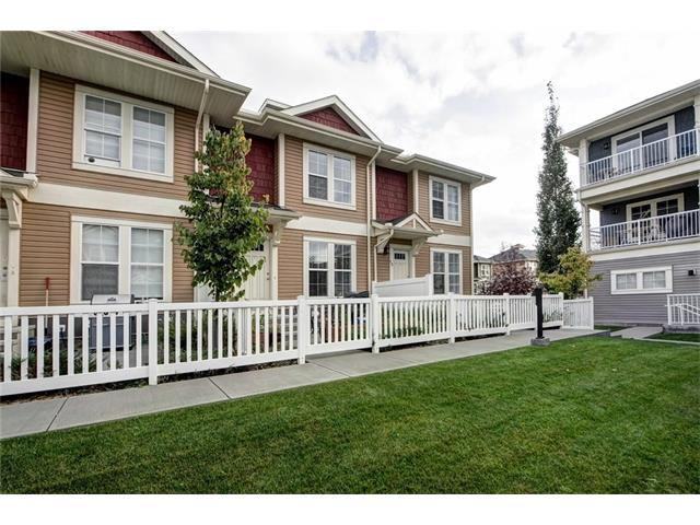Main Photo: 10 AUBURN BAY CM SE in Calgary: Auburn Bay House for sale : MLS®# C4083319
