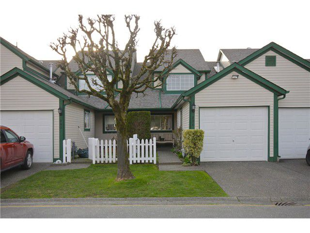 Main Photo: # 204 20675 118 AV in Maple Ridge: Southwest Maple Ridge Townhouse for sale : MLS®# V998558