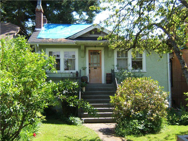 """Main Photo: 4474 W 15TH Avenue in Vancouver: Point Grey House for sale in """"POINT GREY"""" (Vancouver West)  : MLS®# V1008237"""