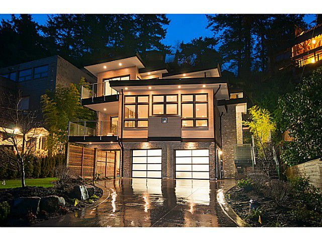 Main Photo: 6854 COPPER COVE RD in West Vancouver: Whytecliff House for sale : MLS®# V1054791