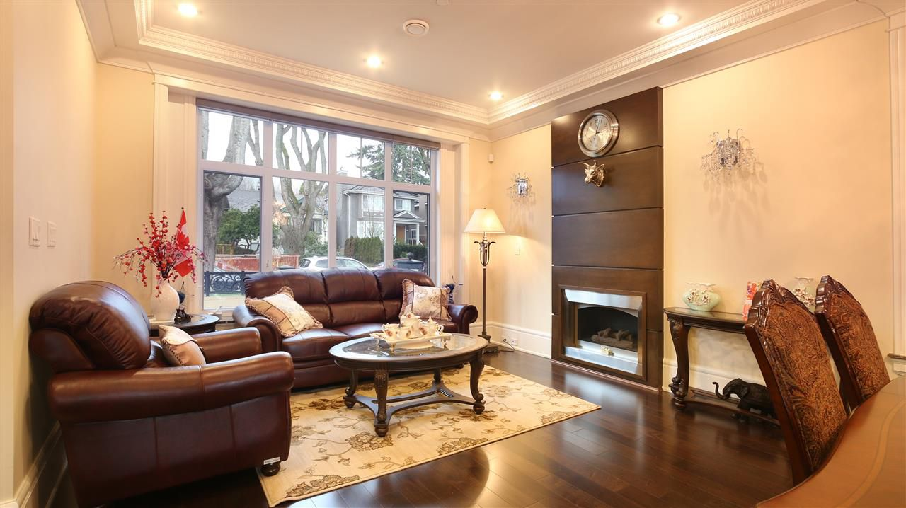 Main Photo: 3288 W 38TH AVENUE in Vancouver: Kerrisdale House for sale (Vancouver West)  : MLS®# R2037635