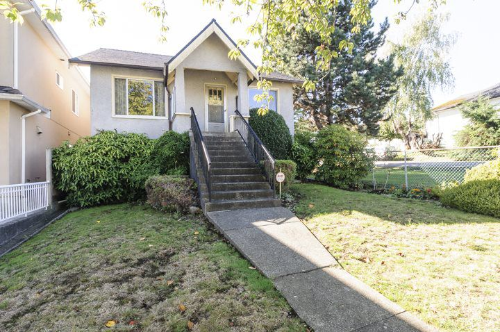 Main Photo: 2504 E 28TH AVENUE in Vancouver: Collingwood VE House for sale (Vancouver East)  : MLS®# R2111921