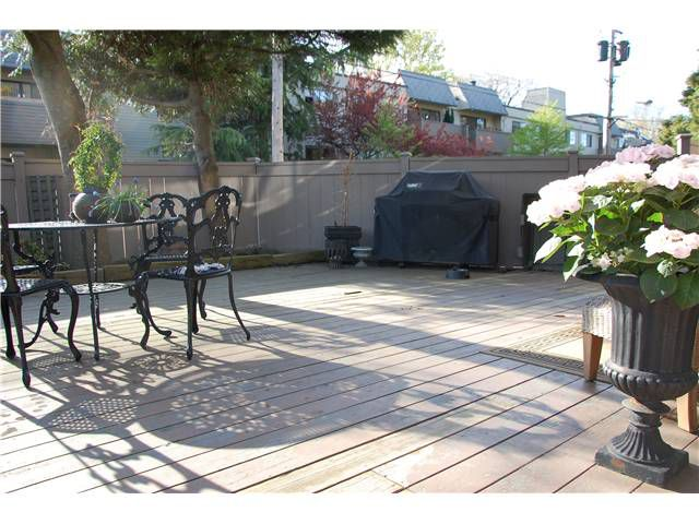 """Main Photo: 110 1425 CYPRESS Street in Vancouver: Kitsilano Condo for sale in """"CYPRESS WEST"""" (Vancouver West)  : MLS®# V945247"""