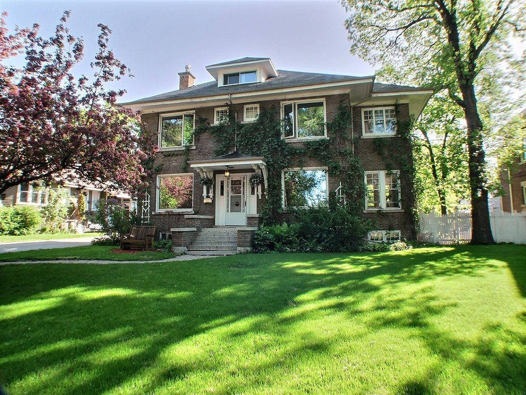 Main Photo: 91 West Gate in : Armstong's Point Residential for sale (Central Winnipeg)  : MLS®# 1412316