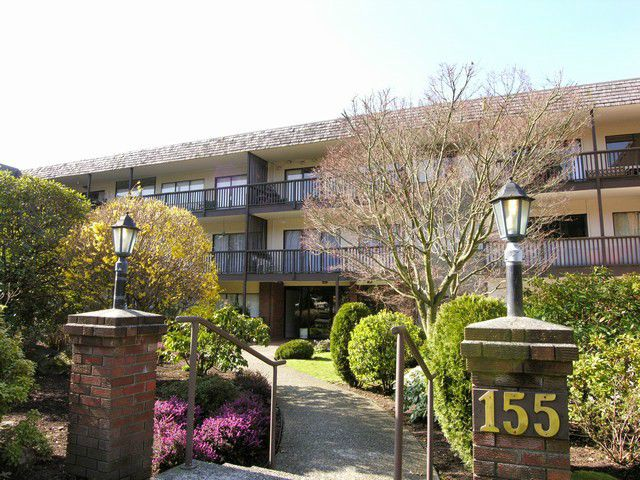 "Main Photo: 312 155 E 5TH Street in North Vancouver: Lower Lonsdale Condo for sale in ""Winchester Estates"" : MLS®# V1023785"