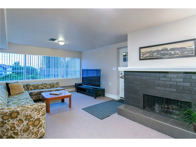 Photo 9: Photos: 260 RONDOVAL Crescent in North Vancouver: Upper Delbrook House for sale : MLS®# V1025715