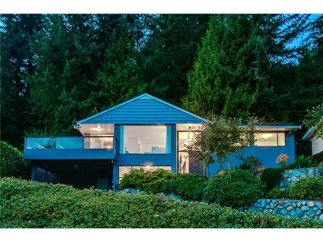 Photo 2: Photos: 260 RONDOVAL Crescent in North Vancouver: Upper Delbrook House for sale : MLS®# V1025715