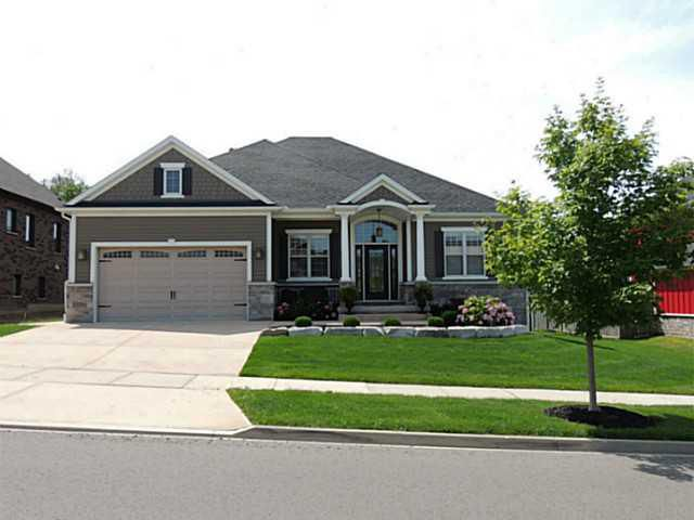Main Photo: 20 BUNNY GLEN Drive in NIAGARA-ON-THE-LAKE: House for sale : MLS®# N30038636