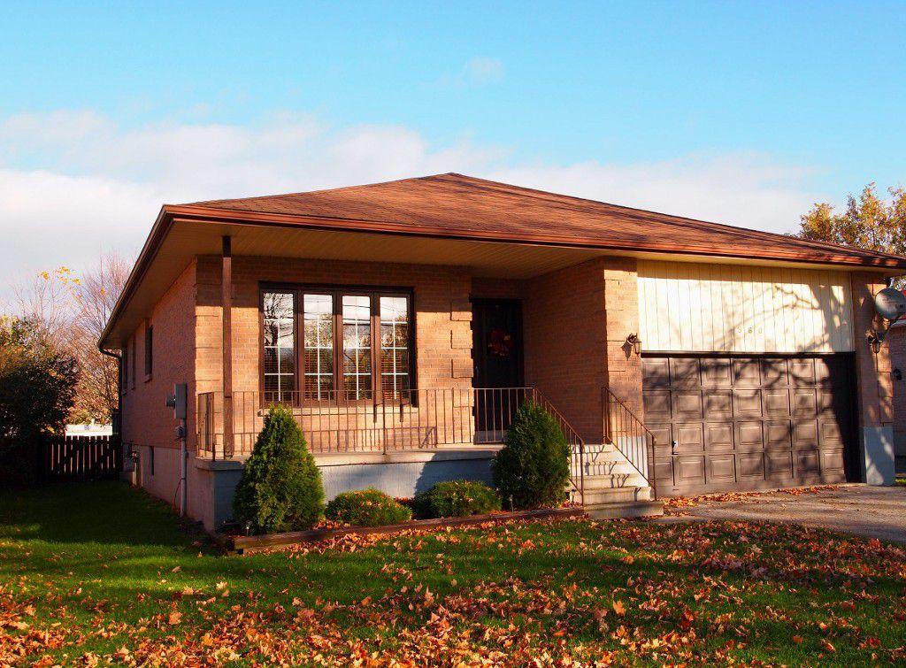 Main Photo: 560 Main Street in Beaverton: Durham Freehold for sale (Brock)
