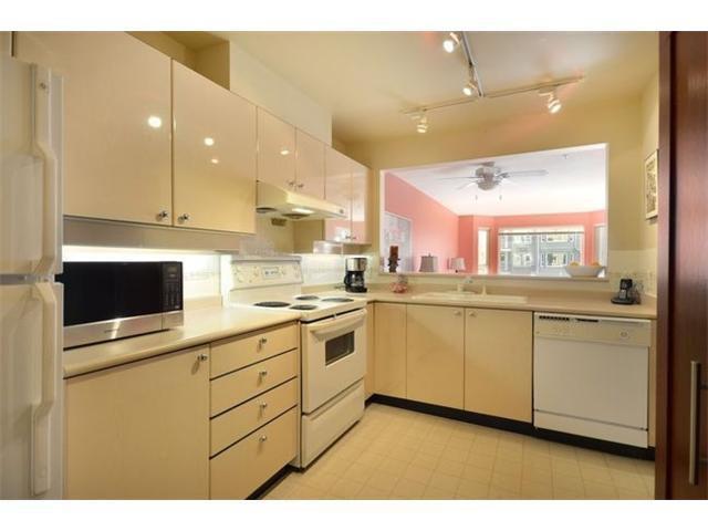 """Main Photo: 207 5888 DOVER Crescent in Richmond: Riverdale RI Condo for sale in """"PELICAN POINTE"""" : MLS®# V948150"""