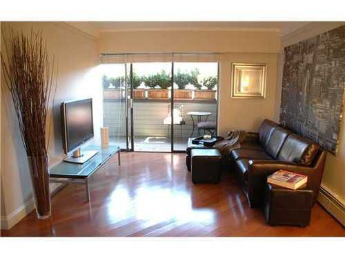 Main Photo: 206 1424 WALNUT Street in Vancouver West: Kitsilano Home for sale ()  : MLS®# V943830
