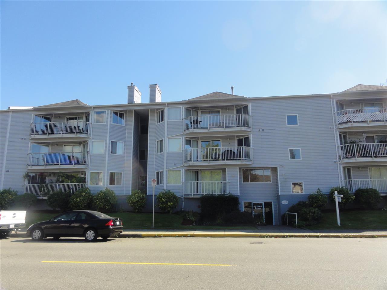 Main Photo: 304 22222 119 AVENUE in Maple Ridge: West Central Condo  : MLS®# R2103255