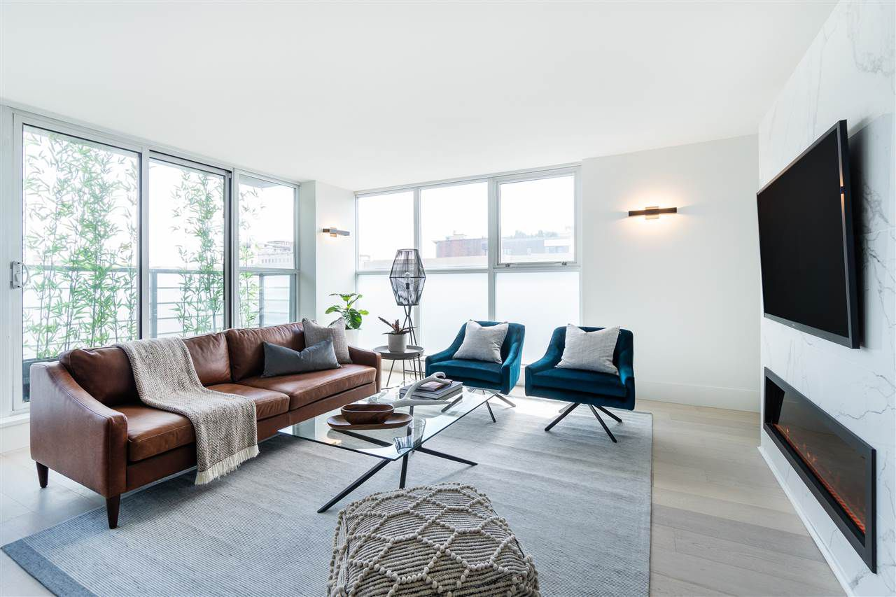 Main Photo: 801 168 POWELL STREET in Vancouver: Downtown VW Condo for sale (Vancouver West)  : MLS®# R2315282
