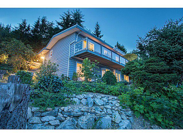 Main Photo: 561 KILDONAN Road in West Vancouver: Glenmore House for sale : MLS®# V1078536
