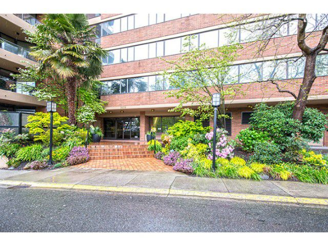 Main Photo: # 105 1450 PENNYFARTHING DR in Vancouver: False Creek Condo for sale (Vancouver West)  : MLS®# V1117245