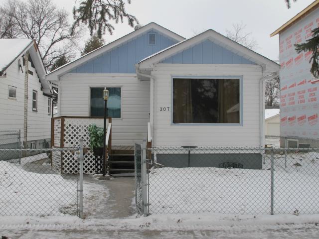 Main Photo:  in WINNIPEG: East Kildonan Residential for sale (North East Winnipeg)  : MLS®# 1223752