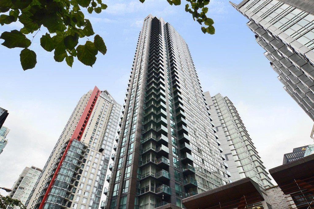 Main Photo: 2608 1189 Melville Street in Vancouver: Coal Harbour Condo for sale (Vancouver West)