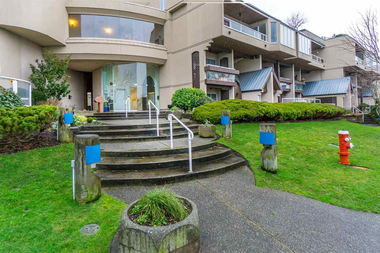 Main Photo: 111 5 K DE K COURT in New Westminster: Quay Townhouse for sale : MLS®# R2031959