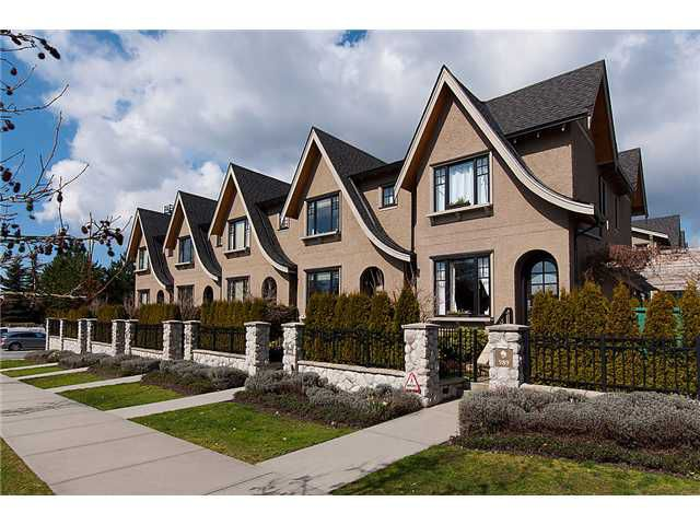 "Main Photo: 989 W 38TH Avenue in Vancouver: Cambie Townhouse for sale in ""HAMLIN MEWS"" (Vancouver West)  : MLS®# V997915"