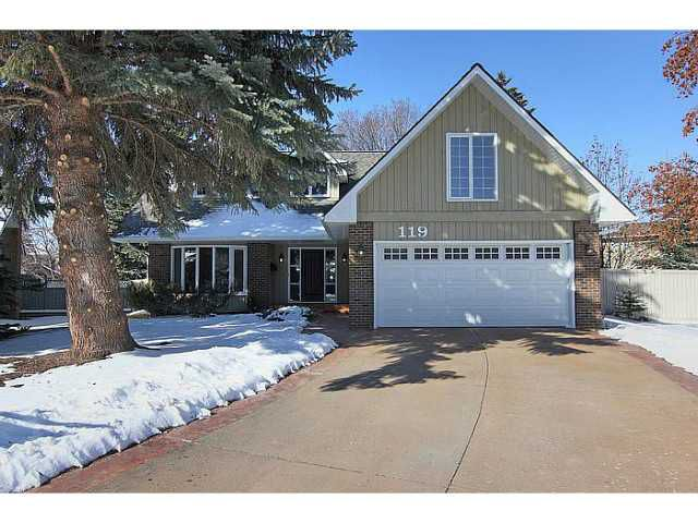 Welcome to 119 Lake Mead Place.  A perfectly located home in Lake Bonavista Estates.